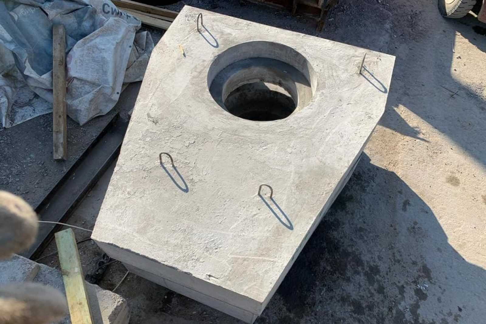 бетонная стенка портала